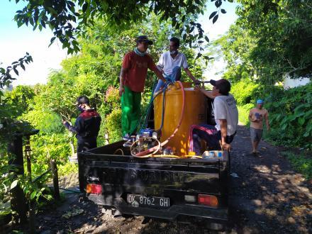 Pemerintah desa pucaksari bersama tim Penanggulangan covid 19